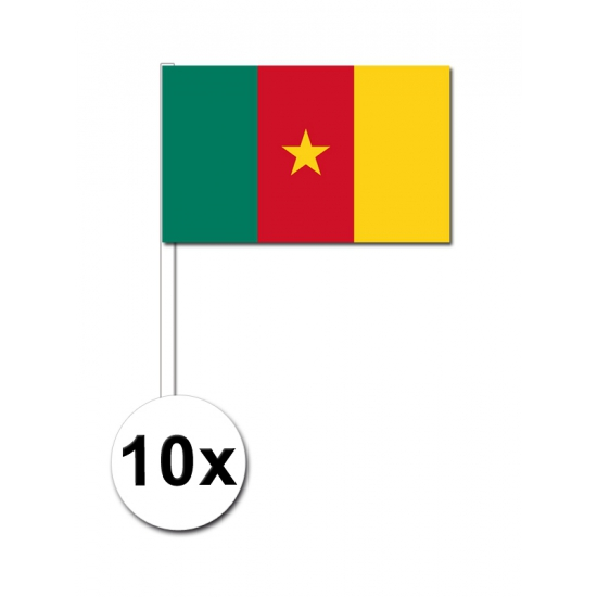 10 zwaaivlaggetjes Kameroense vlag