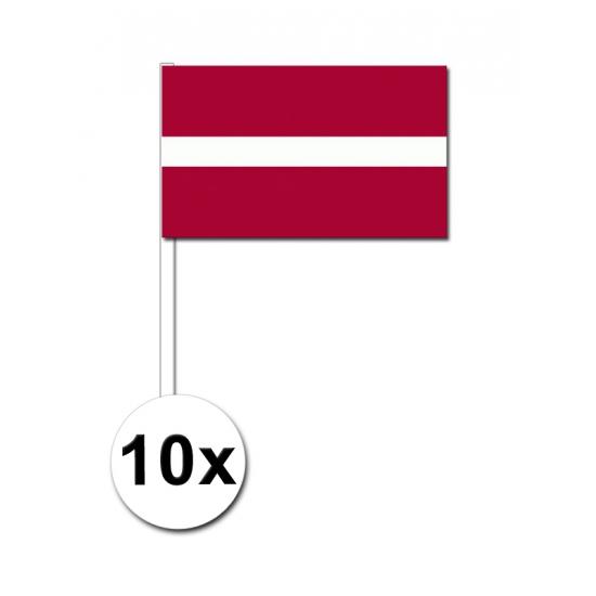 10 zwaaivlaggetjes Letse vlag