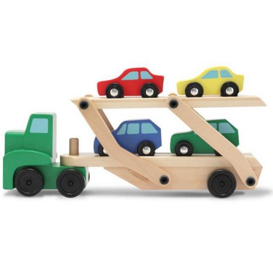 Houten vrachtwagen met oplegger