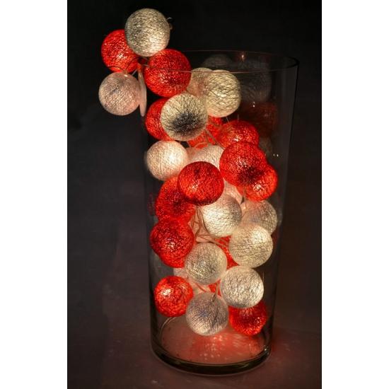 Katoenen balletjes lichtsnoer rood/wit