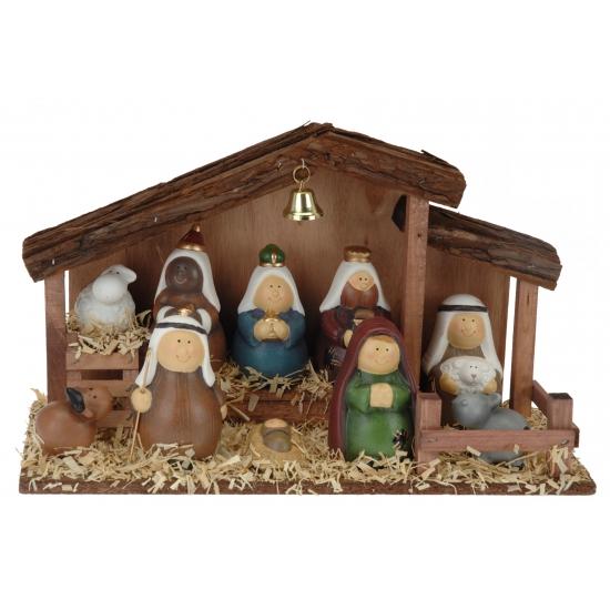 Kerststal met 10 figuren van aardewerk