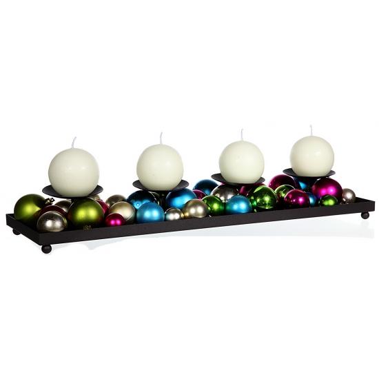 Metalen kaarshouder met gekleurde kerstballetjes
