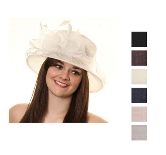 Nette dames hoed met grote bloem