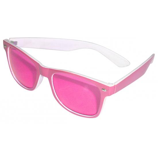Roze zonnebril met witte binnekant en 2 zilveren steentjes