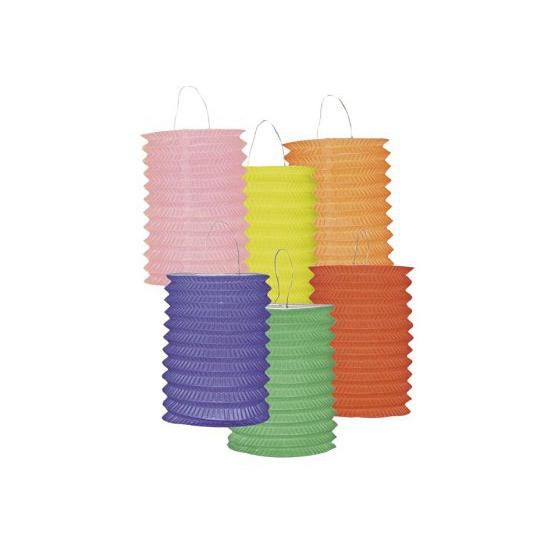 Twaalf gekleurde lampionnetjes